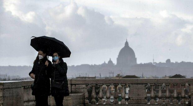 Covid bollettino Lazio 2 gennaio: 1.275 contagi (-638), Roma scende a 700 ma aumentano i ricoveri