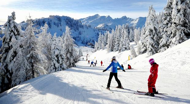 Dpcm, in Alto Adige si può sciare, ristoranti aperti fino alle 22: «La loro chiusura ucciderebbe le montagne»