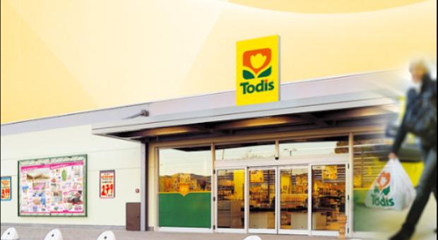 Rapinatore messo in fuga dalla cassiera fa il bis Todis di San Nicolò: bottino 3mila euro