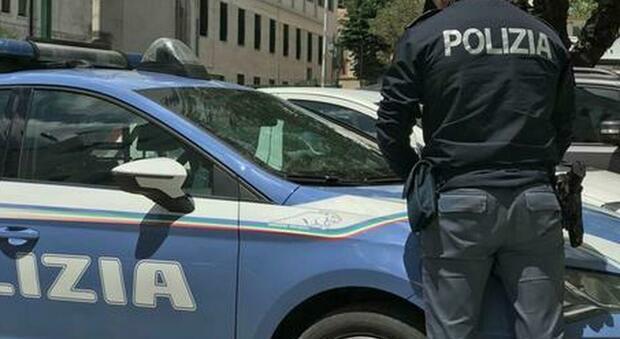 Roma: positiva al Covid viola isolamento per sfuggire all'arresto, trovata in Toscana
