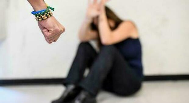 Violenza sulle donne, Regione Lazio: «Fondo per assistere economicamente le vittime nei processi»