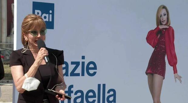 """Raffaella Carrà, Milly Carlucci: «L'ho contattata per """"Il Cantante Mascherato"""" ma non rispose, non voleva far sapere»"""