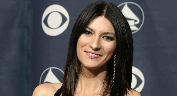 Laura Pausini: «Ma quale star, sono sempre la stessa ragazza chiusa in una mansarda»
