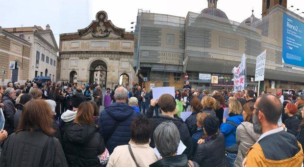 Un momento della manifestazione a piazza del Popolo