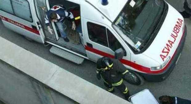 Udine, la moglie lo lascia, lui si impicca alla trave della camera da letto