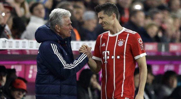 Bayern Monaco, Lewandowski lancia l'allarme: «Trovatemi un sostituto»