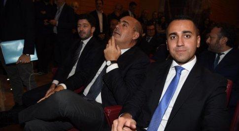 Elezioni Umbria, ora scatta l'assedio a Di Maio. E lui: battaglia sulla manovra