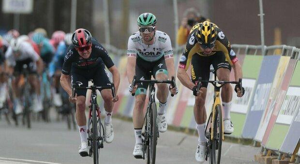 Van Aert si aggiudica al fotofinish l'Amstel Gold Race