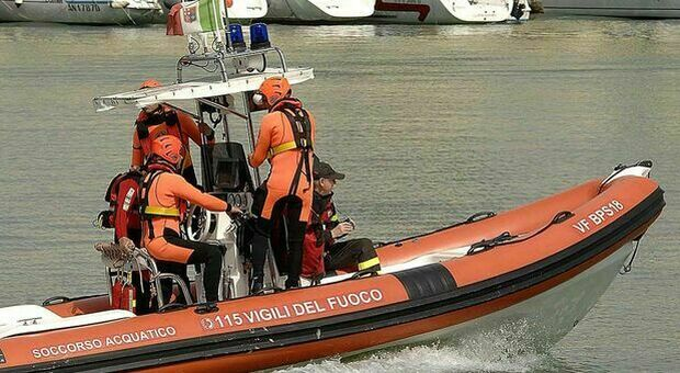 Sub travolto da una barca è morto dissanguato: gamba tranciata dall'elica