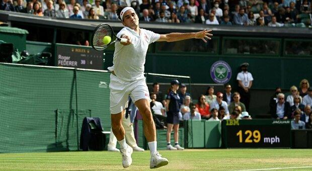 Wimbledon, Federer crolla in 3 set contro Hurkacz. Djokovic-Shapovalov è la prima semifinale del torneo