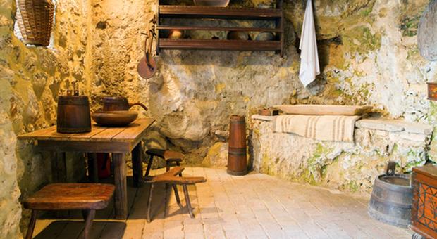 Come arredare la taverna soluzioni calde e accoglienti for Arredare la taverna