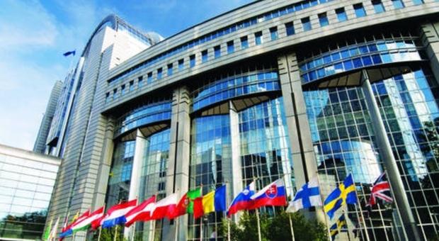 La Commissione di Bruxelles: interventi per arginare virus fuori dal patto di stabilità
