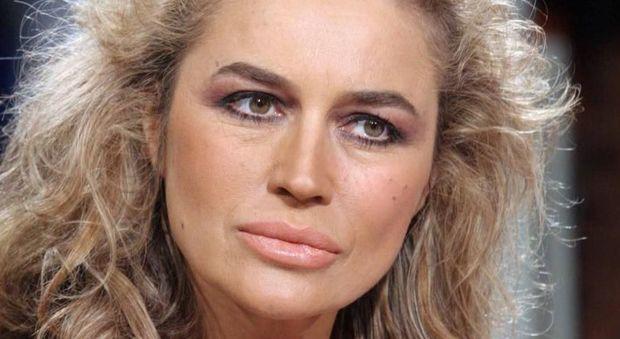 Lory Del Santo, il dettaglio hot sul miliardario: «Sesso? Io non mi accorgevo di nulla...»
