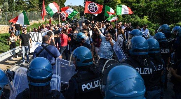 Militanti di Casapound durante una manifestazione a Roma