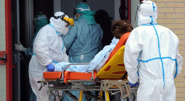 Covid, 10 morti e 348 nuovi positivi. Picco in provincia dell'Aquila con 190 casi