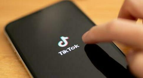 TikTok, limitato ai bambini l'accesso alla piattaforma: in Cina un massimo di 40 minuti