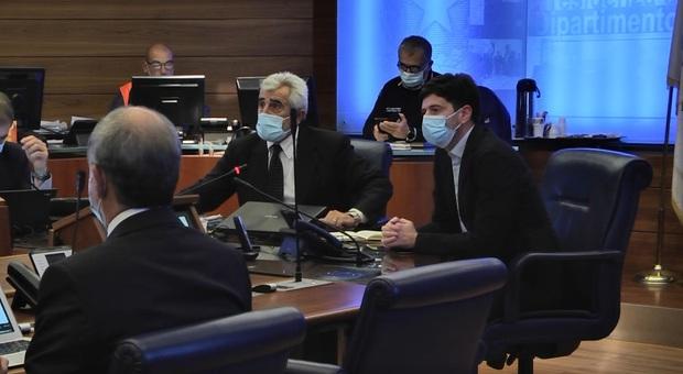 Covid, il Cts: quarantena scende a 10 giorni, un solo tampone in uscita