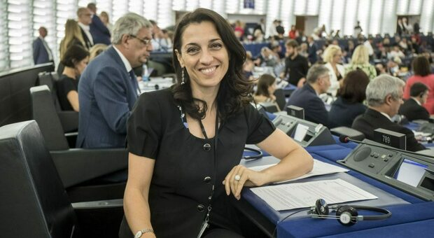 Irene Tinagli, vicepresidente Pd: «Matteo Salvini fa solo propaganda e danneggia il contributo del Carroccio al Governo»