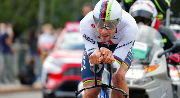 Filippo Ganna vince la cronometro di Torino