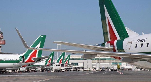 Alitalia, cancellato il 60% dei voli: l'azienda ritenta la trattativa