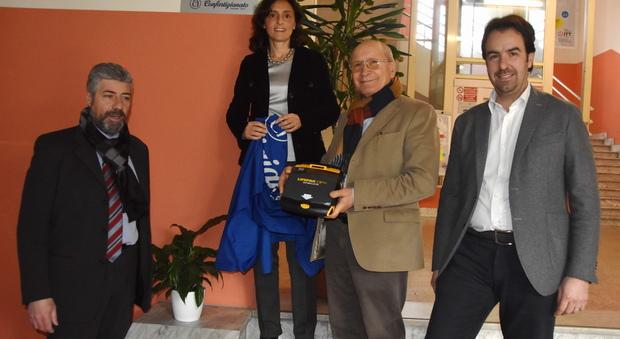 Terni, Confartigianato regala un defibrillatore all'Itt Allievi Sangallo