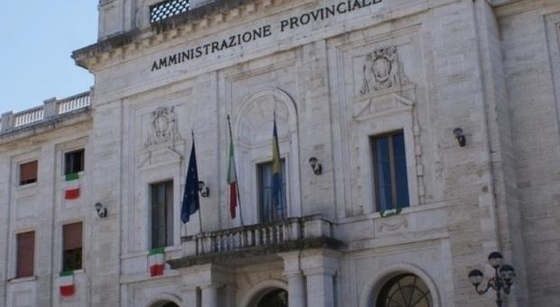 Provincia Frosinone, milioni per scuole, viabilità e ambiente: dalla rinegoziazione dei mutui risparmio di 1,5 milioni