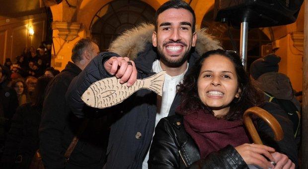 Sardine, a Bologna nasce il manifesto: «Cari populisti, avrete il mal di mare»