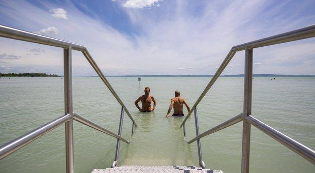 Riaperture, da oggi si torna a viaggiare: dalla Grecia all'Austria, regole e quarantena