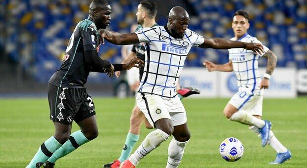 Napoli-Inter 1-1, l'Inter fa e disfa: all'autogol di Handanovic risponde Eriksen
