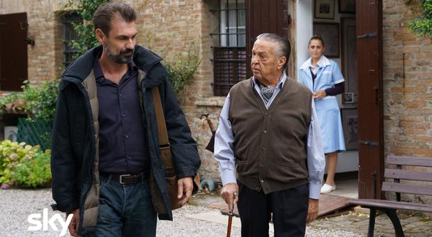 """Lei mi parla ancora, Renato Pozzetto torna protagonista nel suo film più commovente. """"Ho ripensato alla storia con mia moglie"""""""