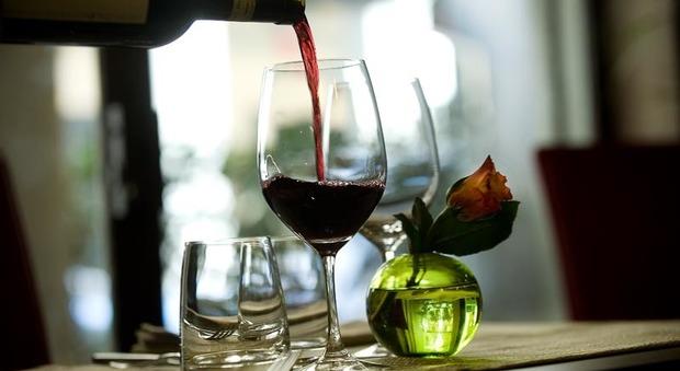Il wine show trasloca da Orvieto a Todi: è caso politico