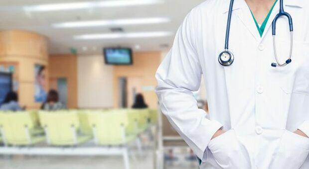 Operatori sanitari no-vax, partono le sospensioni
