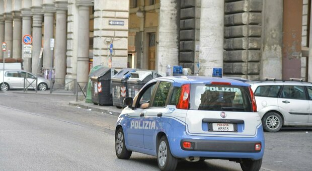 Roma, minaccia passeggeri del tram con una spranga. Testimoni: «Gridava Allah Akbar»