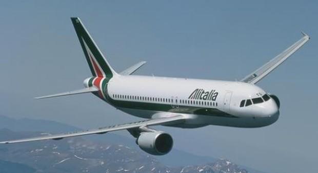 Cellulare a rischio incendio, Alitalia vieta di portarlo a bordo