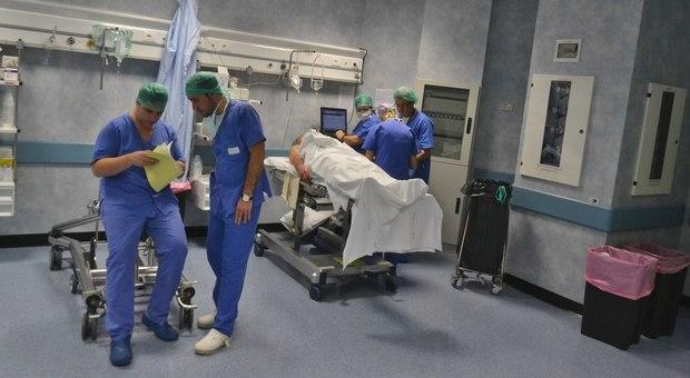 Coronavirus, 10mila medici neo-laureati subito in campo. Ma non in prima linea