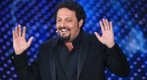 Brignano va a Sanremo e annulla lo show a Roma: spettatori infuriati chiamano i carabinieri