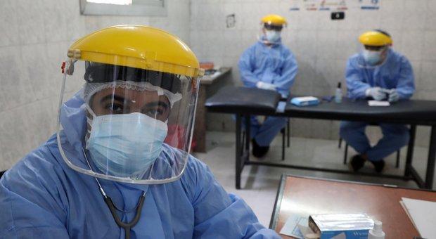 Coronavirus, studio inglese: «Nel mondo potrebbe ammalarsi 1 miliardo di persone»