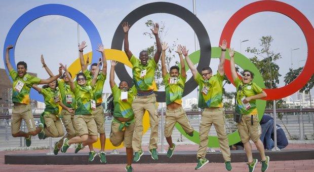 Olimpiadi, saranno a Parigi nel 2024 e a Los Angeles nel 28. Malagò: «Devono ringraziare il ritiro di Roma»