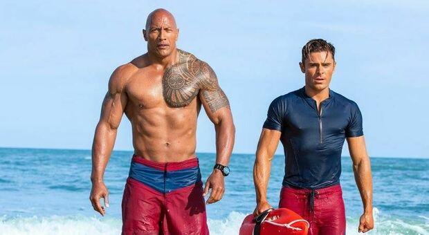 Stasera in tv, mercoledì 15 settembre su Italia 1 «Baywatch»: curiosità e trama del film con Dwayne Johnson