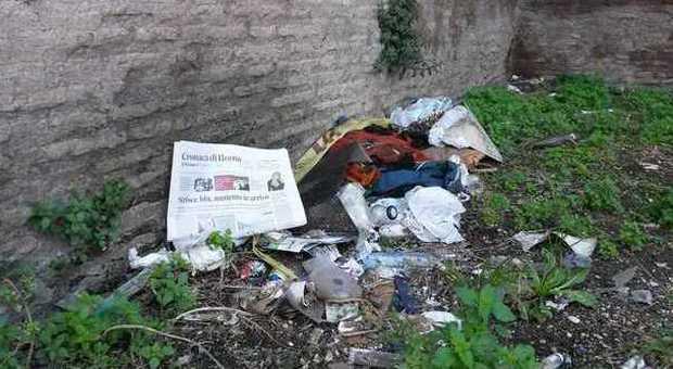 Il degrado di porta pinciana tra sporcizia e rifiuti - Via di porta pinciana 34 roma ...