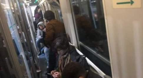 """Coronavirus, a Milano la fuga dalla """"zona rossa"""": folla alla stazione di Porta Garibaldi"""