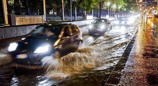 Maltempo, arrivano pioggia e temporali: allerta per grandine e fulmini