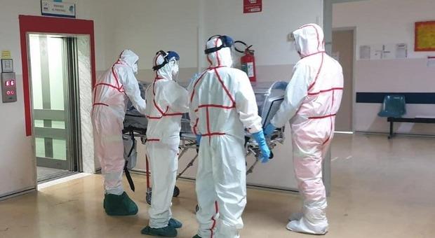 Coronavirus, dati choc in Abruzzo: 252 contagiati e 5 morti. Le vittime a quota 500