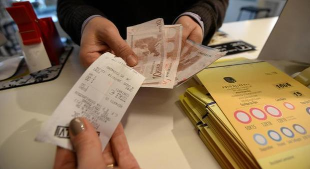 Fisco, premi sugli scontrini: sanzioni per i commercianti