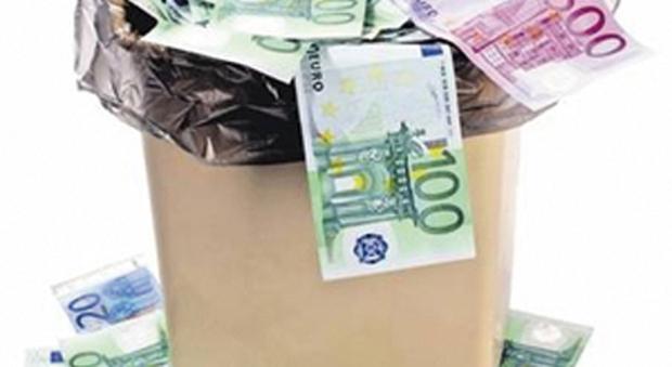 immagine Tassa sui rifiuti, a Roma in media 383 euro l'anno