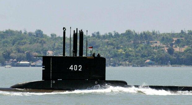 Indonesia, sottomarino scomparso: mancano poche ore di ossigeno per l'equipaggio. Ma potrebbe esserci la svolta