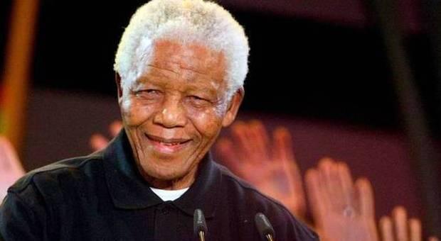 Mandela, il 15 dicembre i funerali dopo 10 giorni di celebrazioni: all'addio attesi leader e rock star
