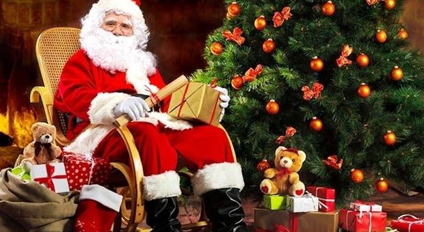 A Che Ora Arriva Babbo Natale.Cercasi Babbo Natale Il Casting A Roma Ecco Quanto Si Guadagna