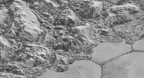 Plutone, dalla Nasa le immagini mozzafiato mai viste del pianeta nano