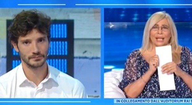 Stefano De Martino non parla di Belen a Domenica In. «A Napoli con 10 kg in meno». Delusione social